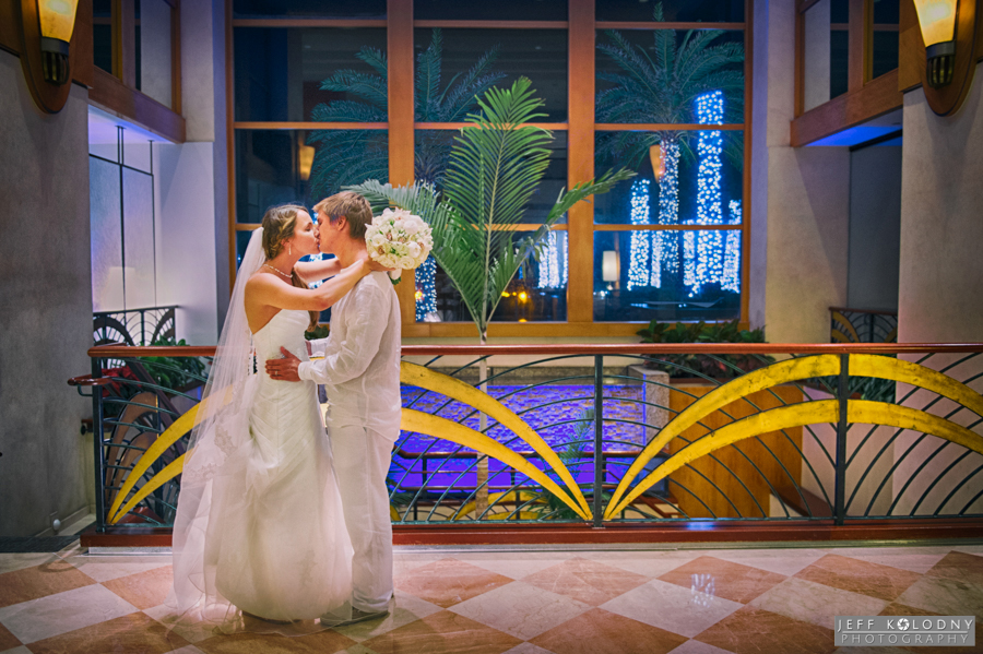 The lobby of the Harbor Beach Marriott offers many get places to take wedding pictures.
