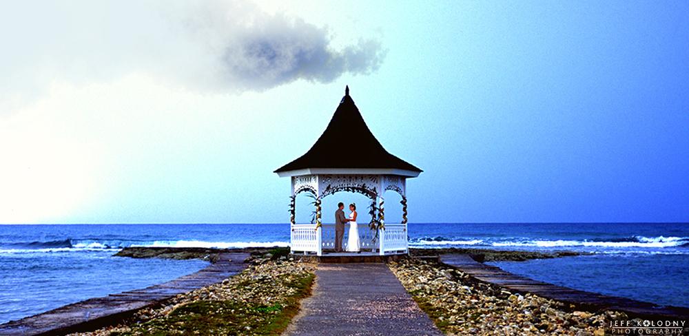 Scenic destination elopement picture was taken in Jamaica.