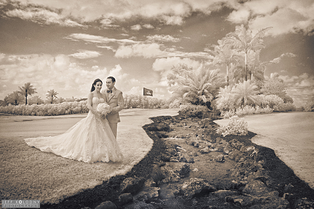 Bride and groom at Woodfield Country Club